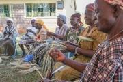 Dentists For Africa - Korbflechterei 1