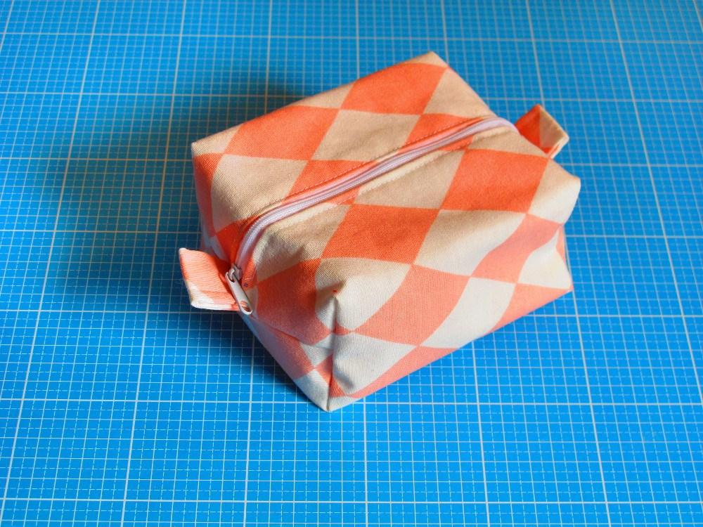 2019_03_27_reissverschlusstasche_01_box_bag (Copy)