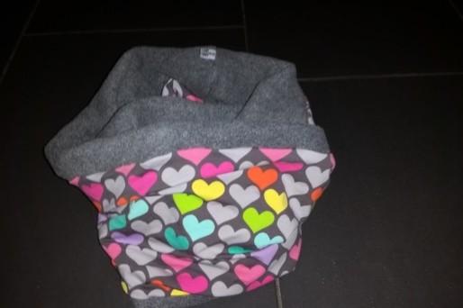 Ein Schal geht auf Reisen