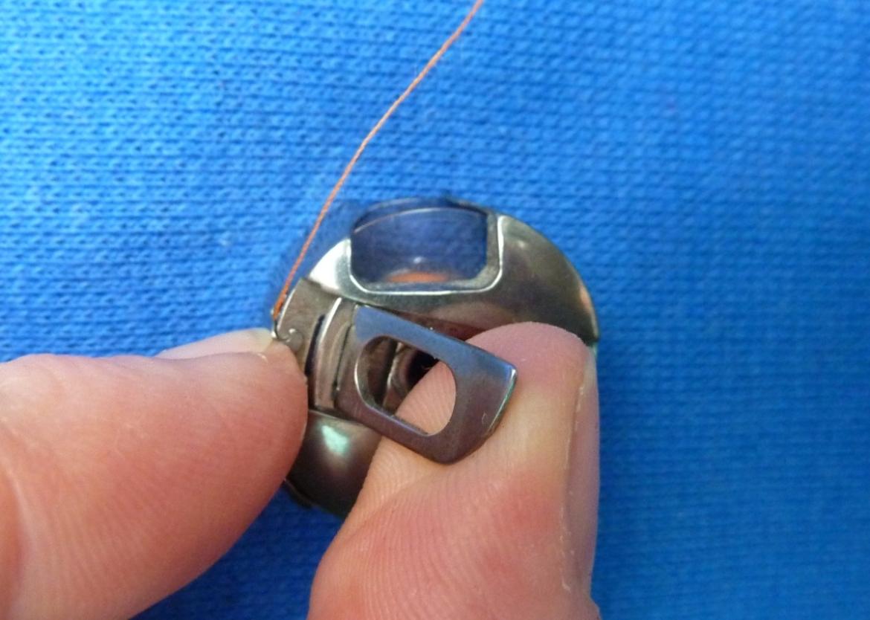 Einfädeln deiner Nähmaschine - Bild17