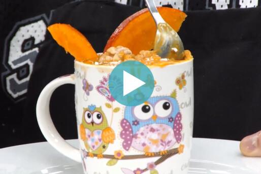 Küchenkarussell – Walnuss-Tassenkuchen mit Kürbisglasur (Aufz. v. 03.11.2020)